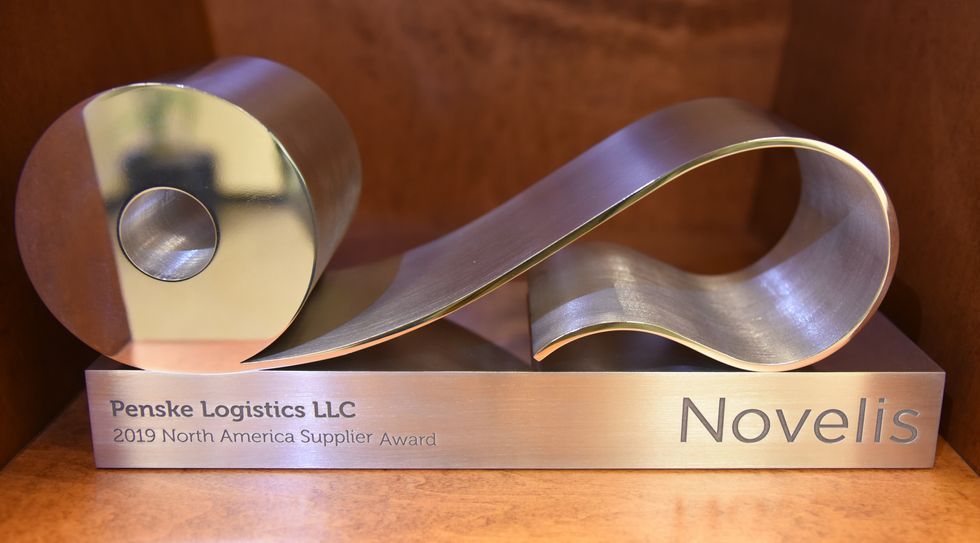 Penske Logistics Earns Supplier Excellence Award from Novelis