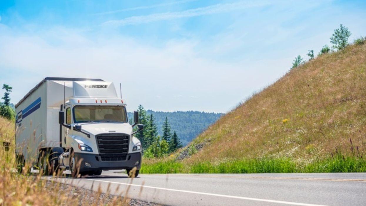 penske logistics truck on road